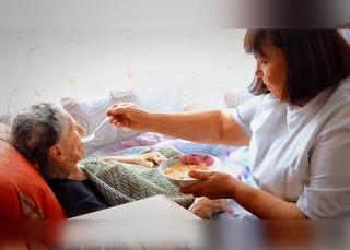 <div>Питание в доме престарелых</div>